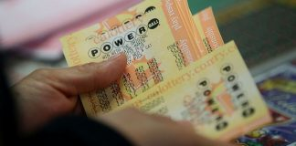 Powerball's jackpot surges to $550 million. Right here is what the winner would pay in taxes – CNBC